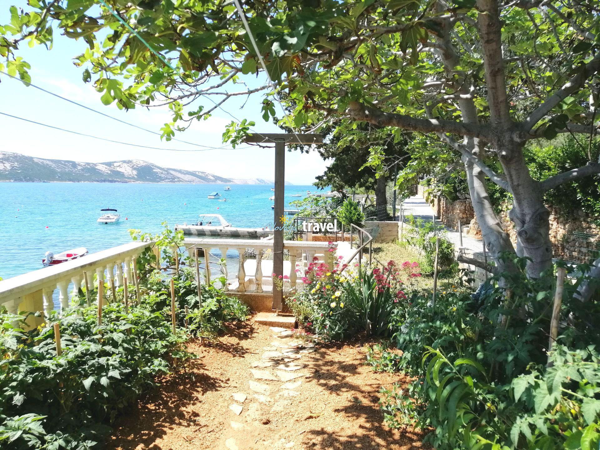 Casa Nives situata direttamente sul mare