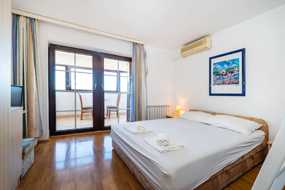 Studio Apartment 1