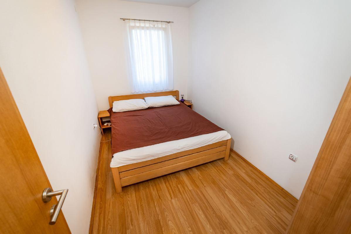 Apartment Violet